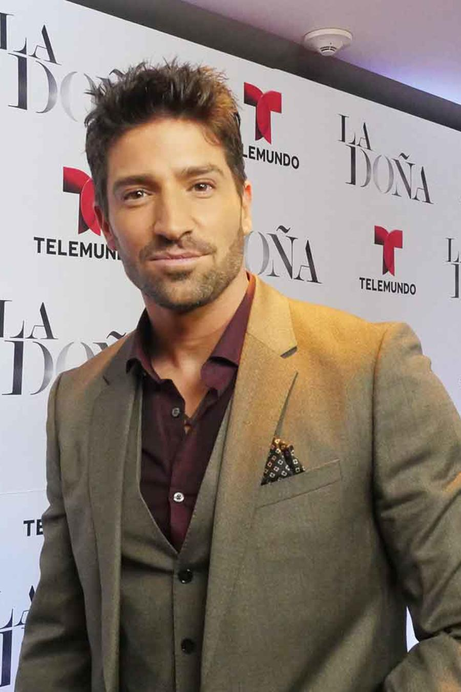 David Chocarro en la alfombra roja de La Doña