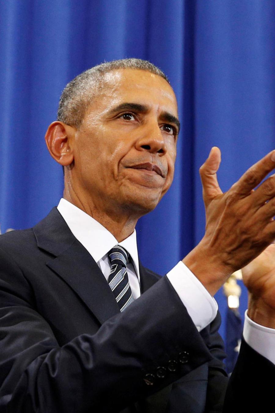 obama aplaudiendo