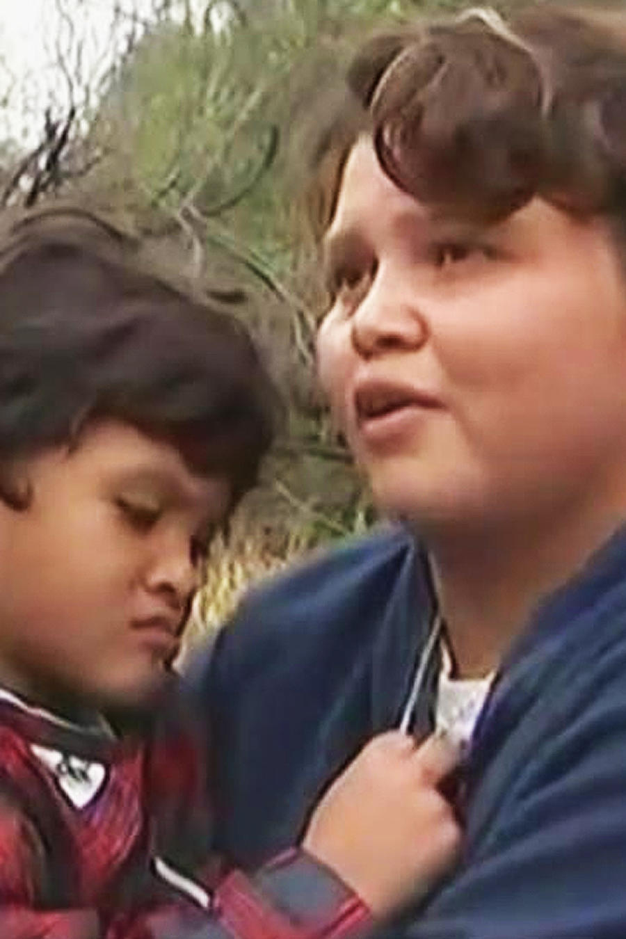 Decenas de centroamericanos intentan cruzar la frontera