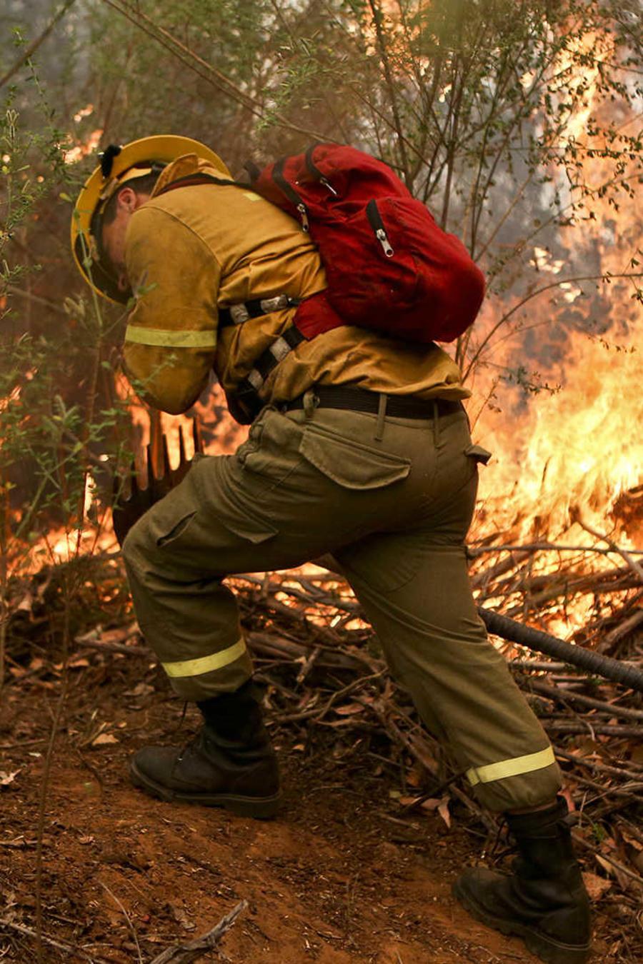 Casi todo Chile bajo efecto devastador de las llamas