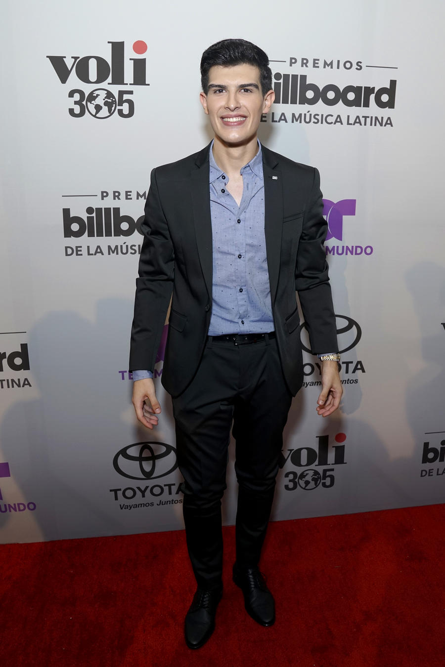 Adriel Favela en el anuncio de finalistas a Premios Billboard 2017