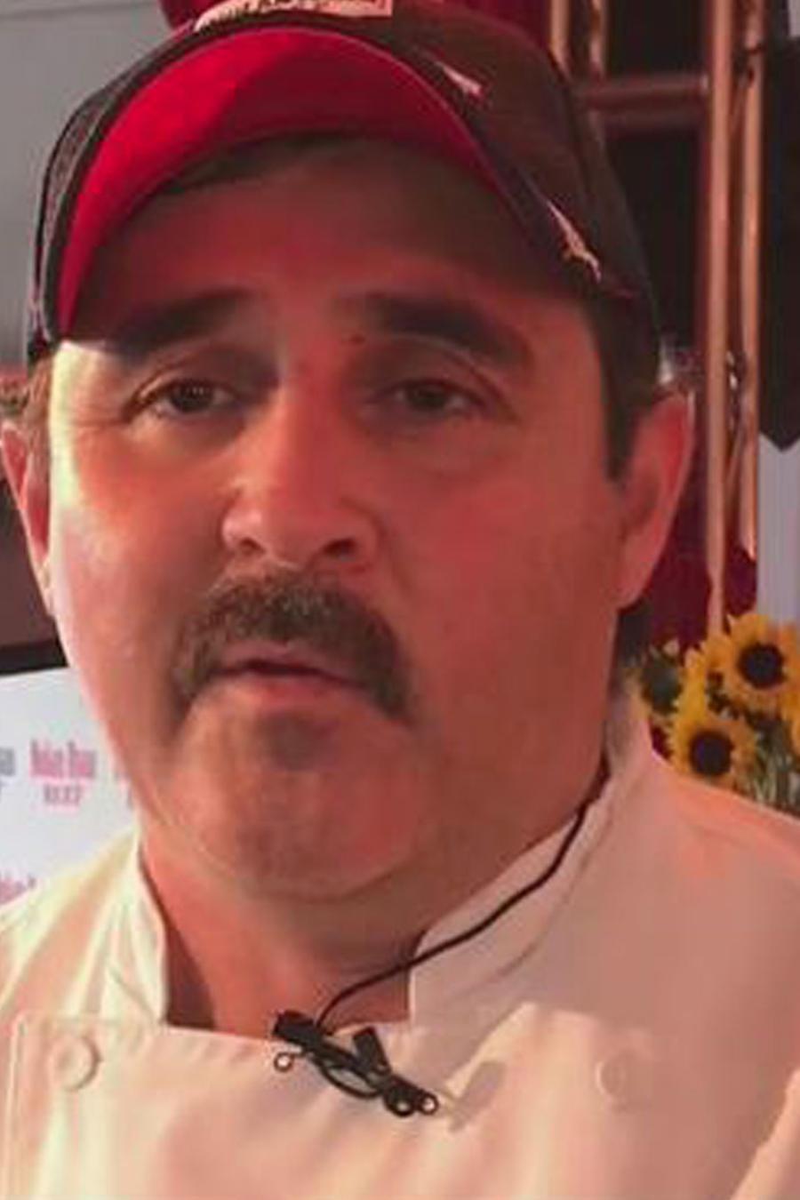 Un mexicano cobra fama por sus asados y BBQ's en Texas