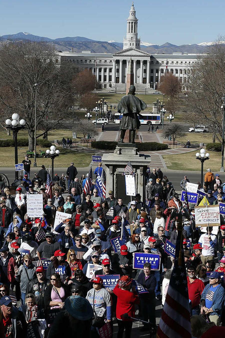 Tensión en Colorado cuando se cruzaron marchas a favor y contra Trump