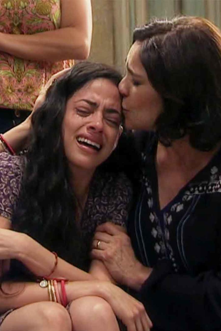 Fátima Molina y Rebecca Jones en La Doña