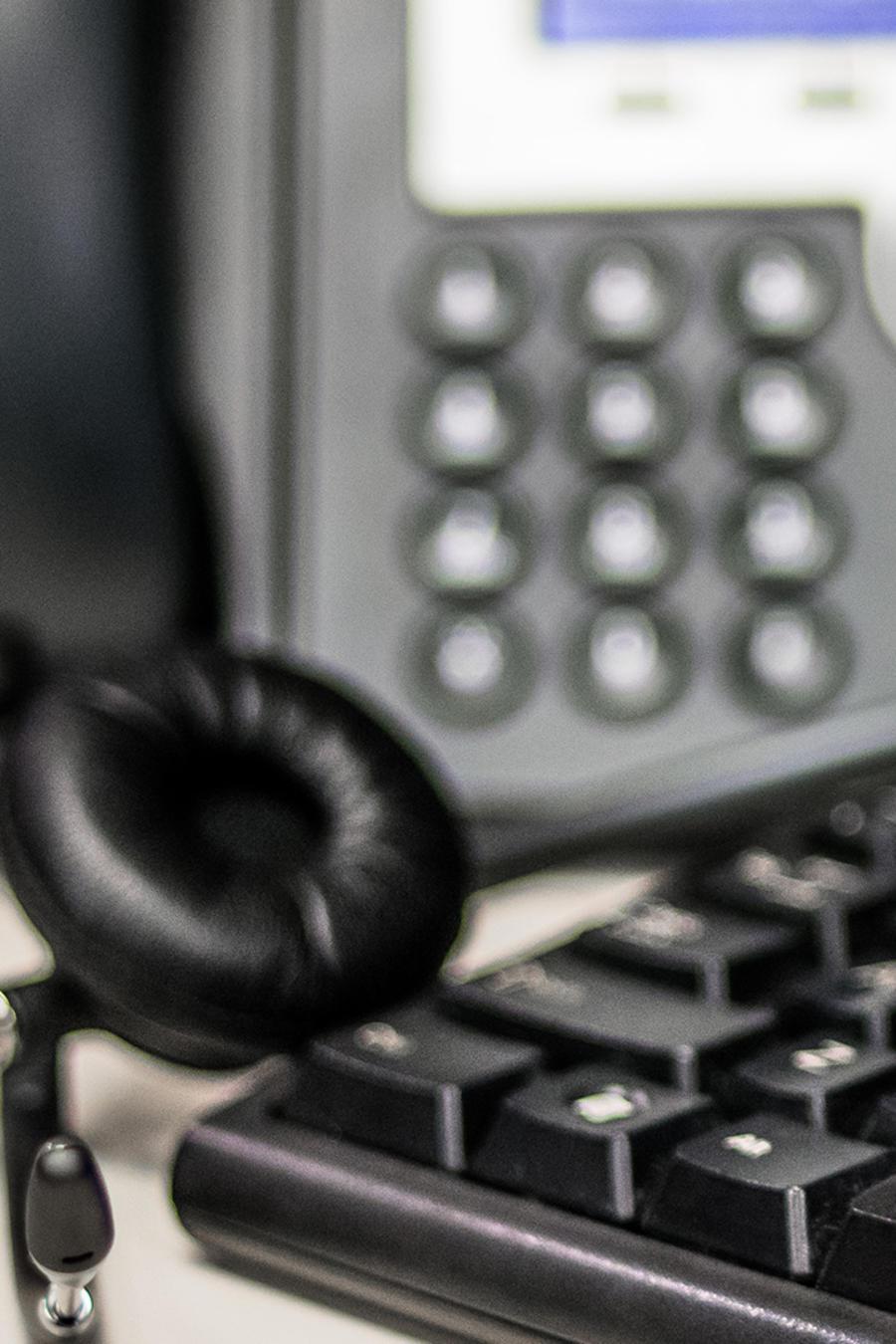Centros de llamadas bilingües atraen a deportados en Guatemala