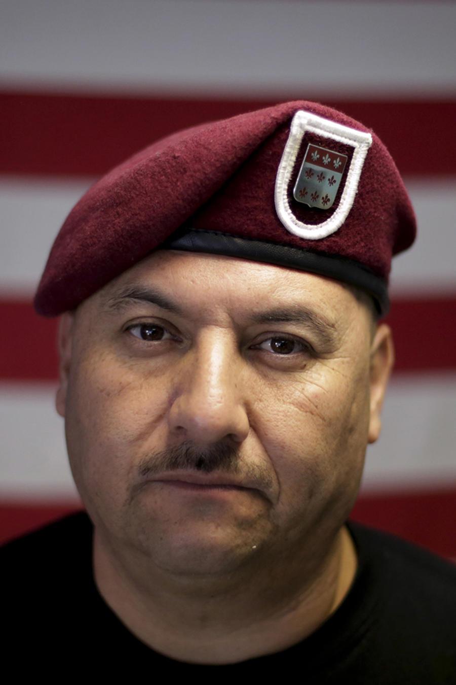 Veterano de guerra recibe indulto y podrá regresar a California