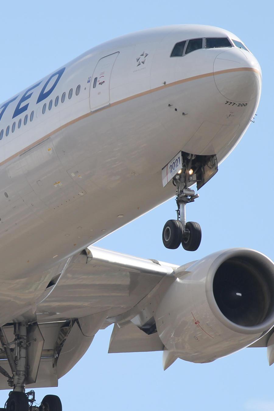 United promete que no volverá a sacar a pasajeros de sus vuelos