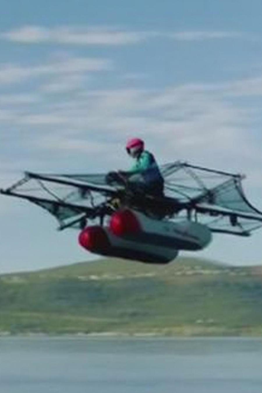primer vehiculo que vuela