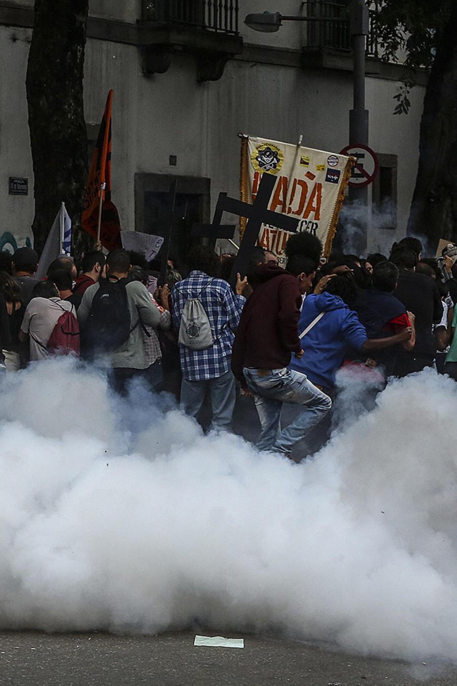choques entre policia y manifestantes brasil