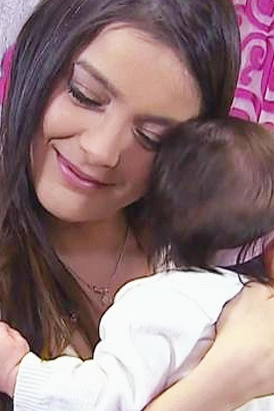 daniella navarro con su hija