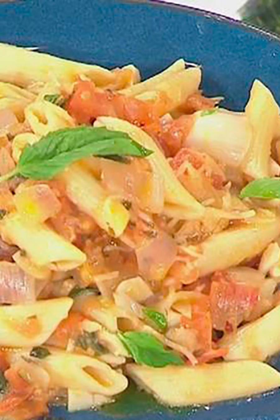Recetas de cocina: Descubre cómo puedes hacer pasta con salsa Pomodoro y salsa Alfredo