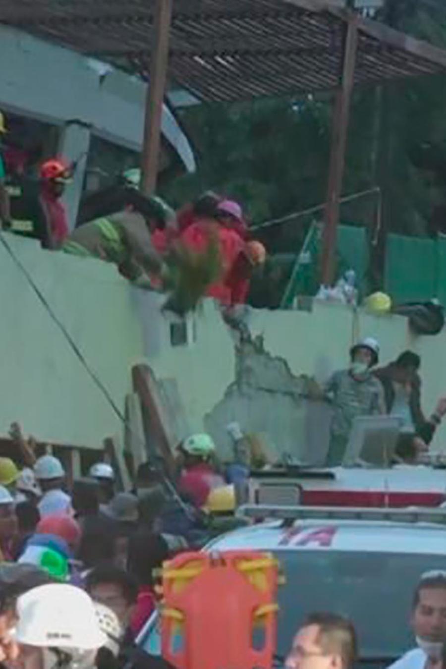 Un devastador sismo de 7.1 grados golpeó México y dejó al menos 246 muertos