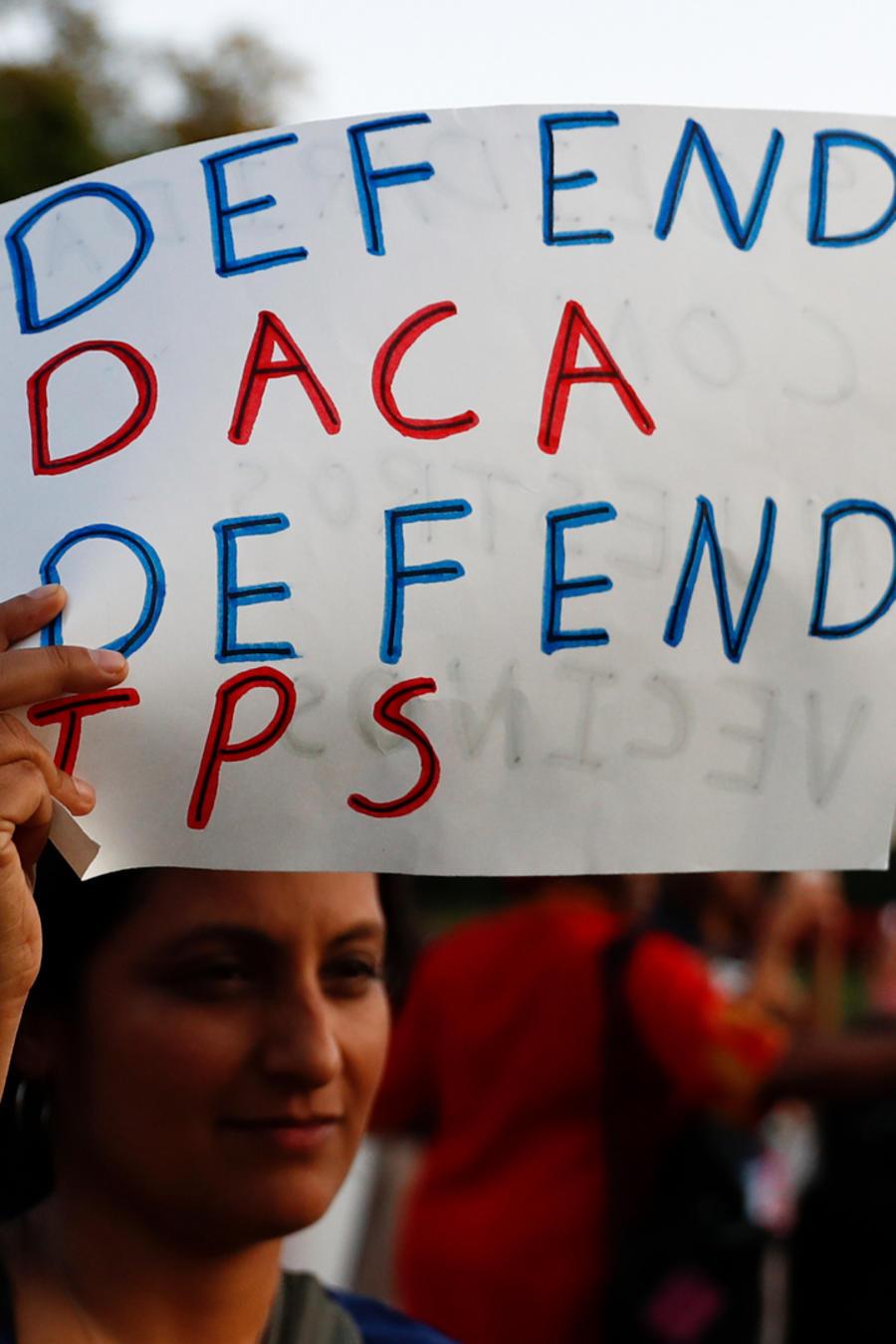 Manifestantes defienden el DACA y el TPS en Washington.