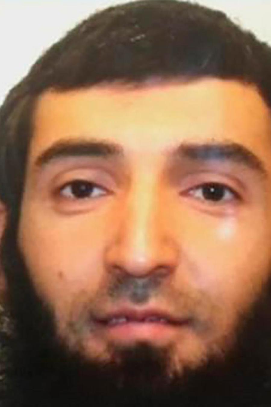 Un atacante de religión musulmana utilizó un vehículo para cometer un acto terrorista