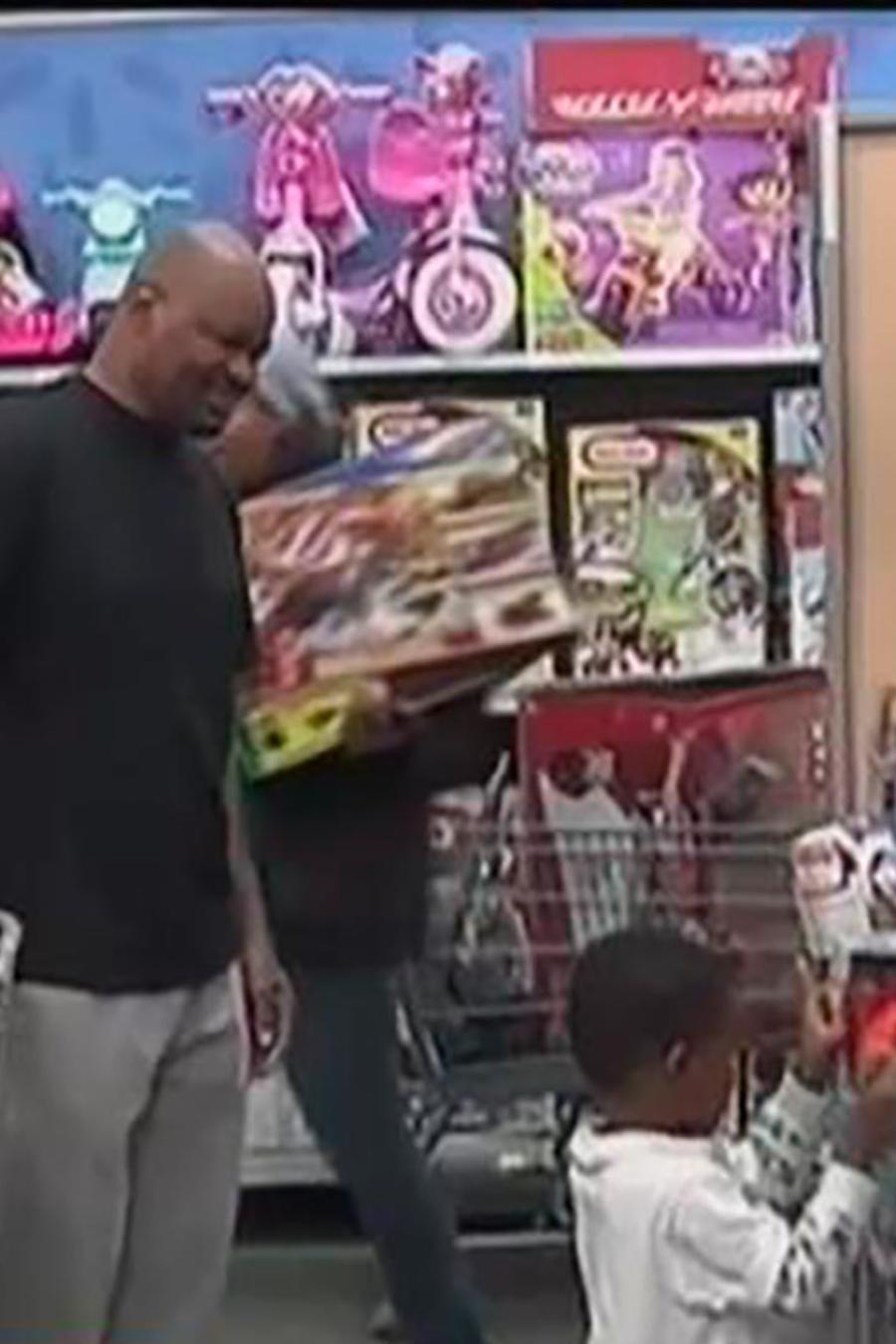 Mientras miles de personas festejan el Día de Acción de Gracias, otras se van de compras
