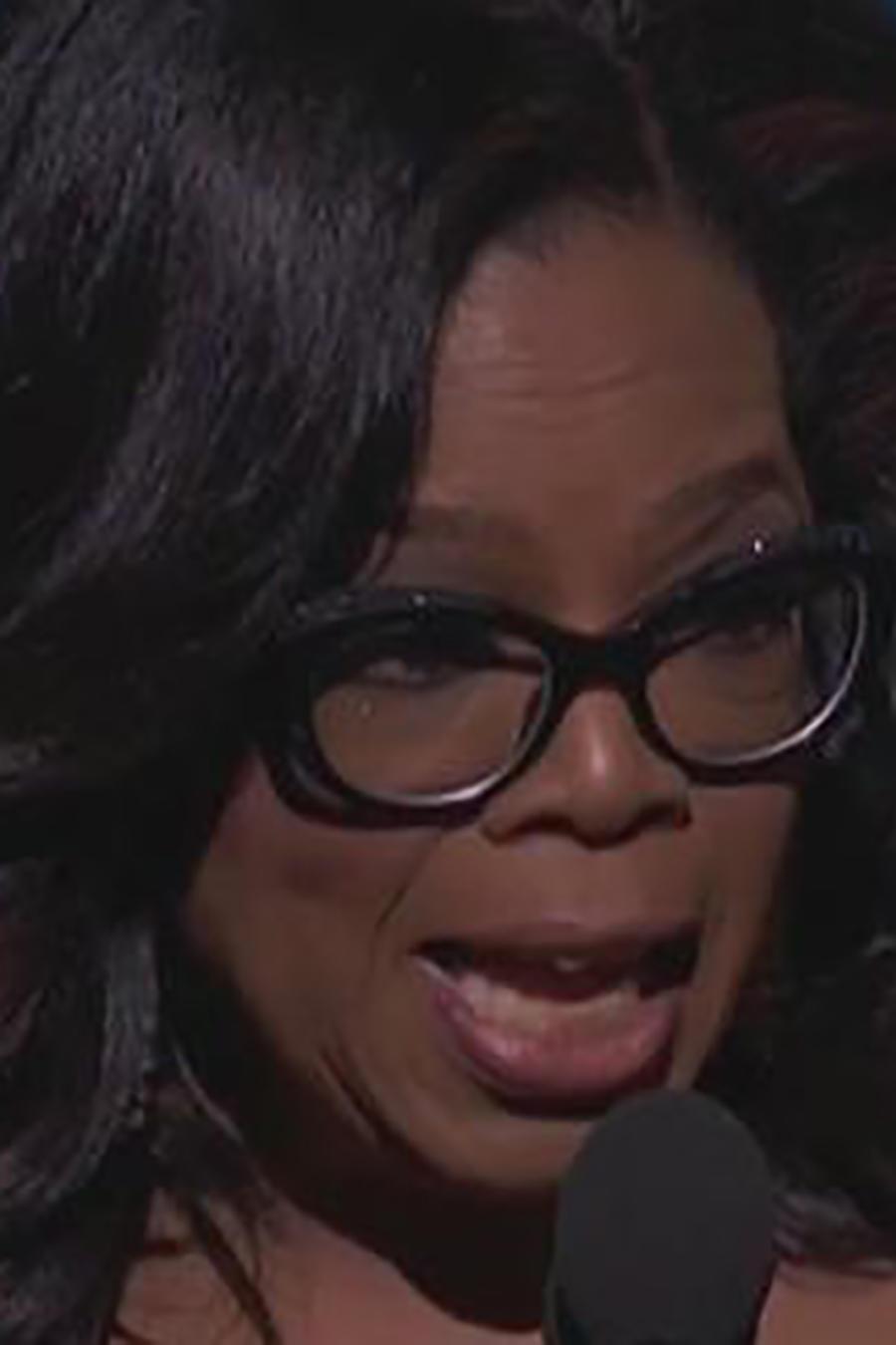 Oprah Winfrey hizo un fuerte llamado contra el acoso sexual en los Globos de Oro