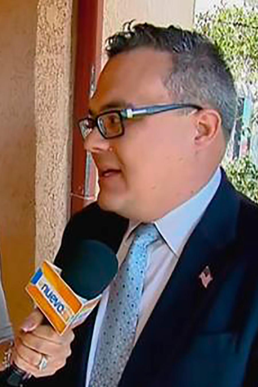 Amelia Macchiavello y el abogado Alex Gálvez le darán la sorpresa a una familia hispana