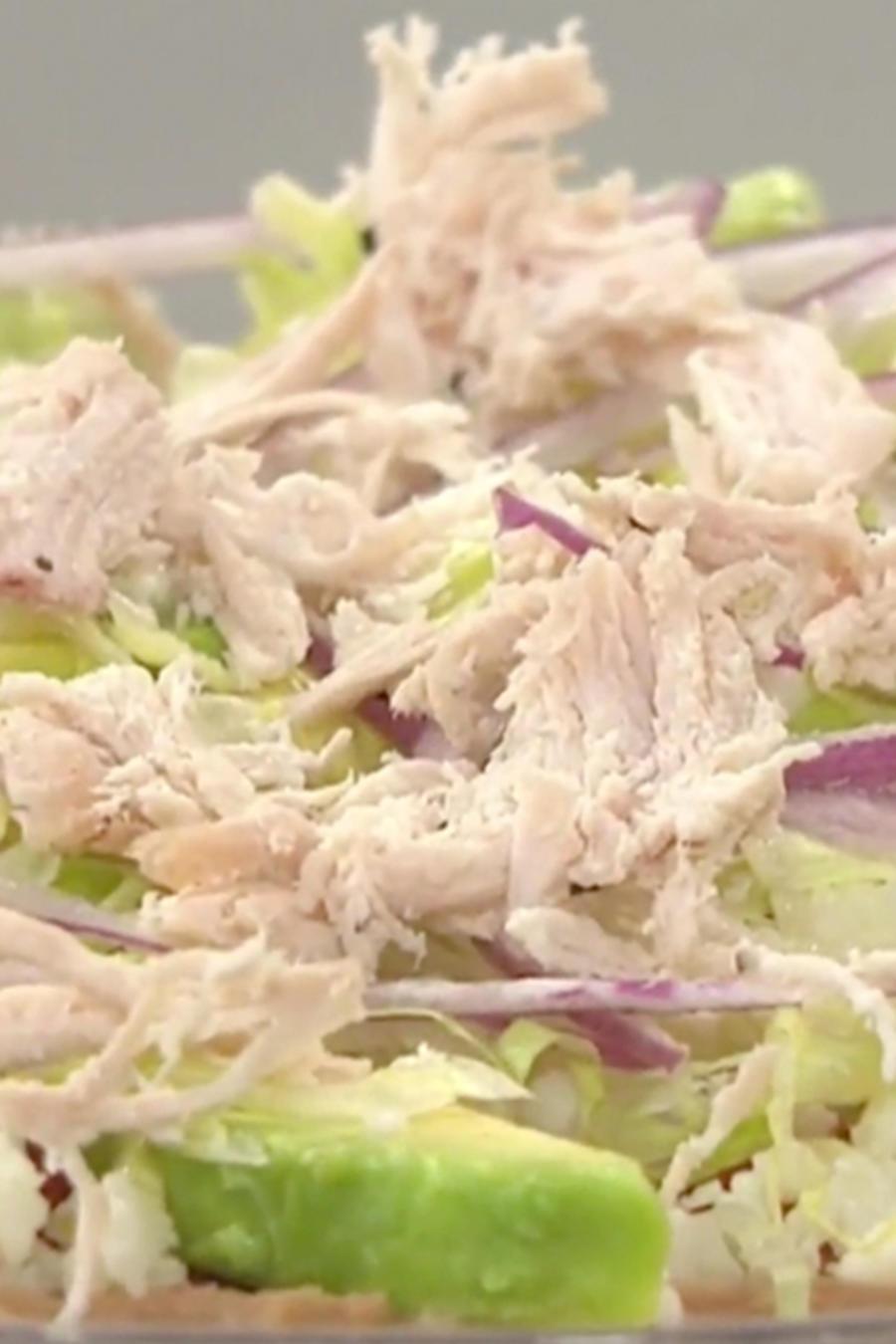 Recetas de cocina: Descubre cómo hacer una deliciosa Tlayuda con Pollo