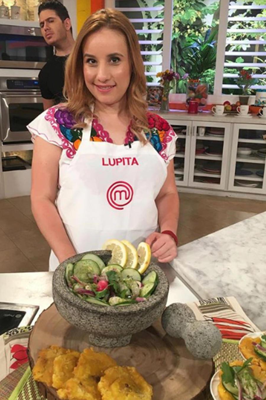 Lupita, finalista de Masterchef Latino, nos enseña cómo hacer unos Camarones en Aguachile