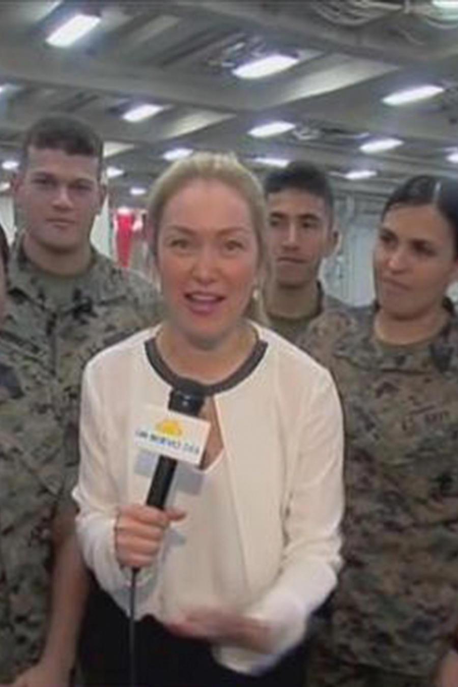 Verónica Albornoz se subió al USS Arlington y conoció a parte de su tripulación latina