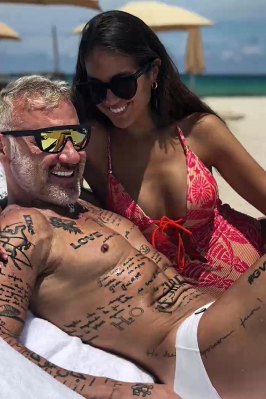 Gianluca Vacchi junto a la modelo Sharon Fonseca