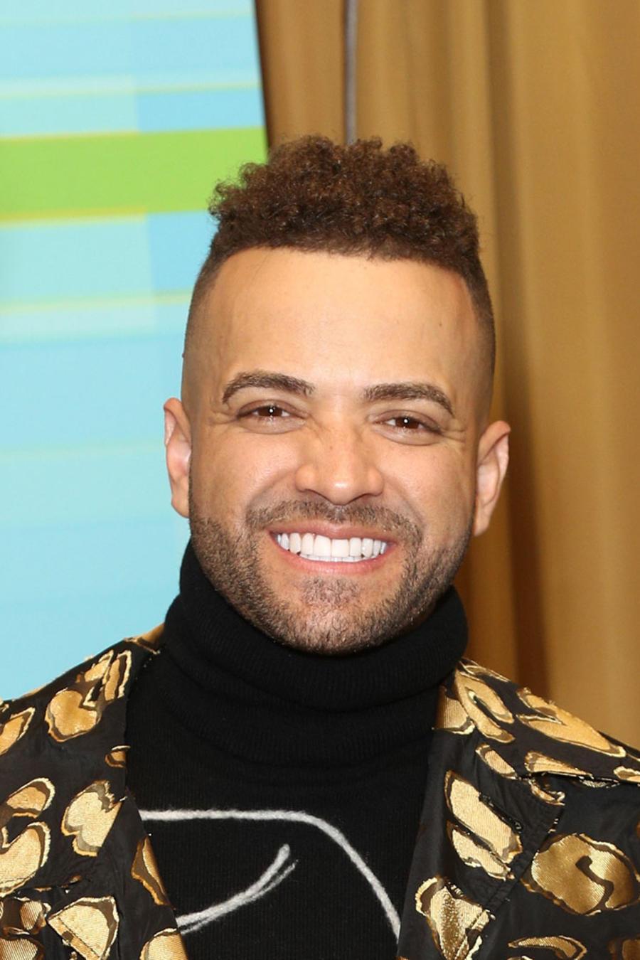 Nacho sonriendo en Latin AMAs 2018