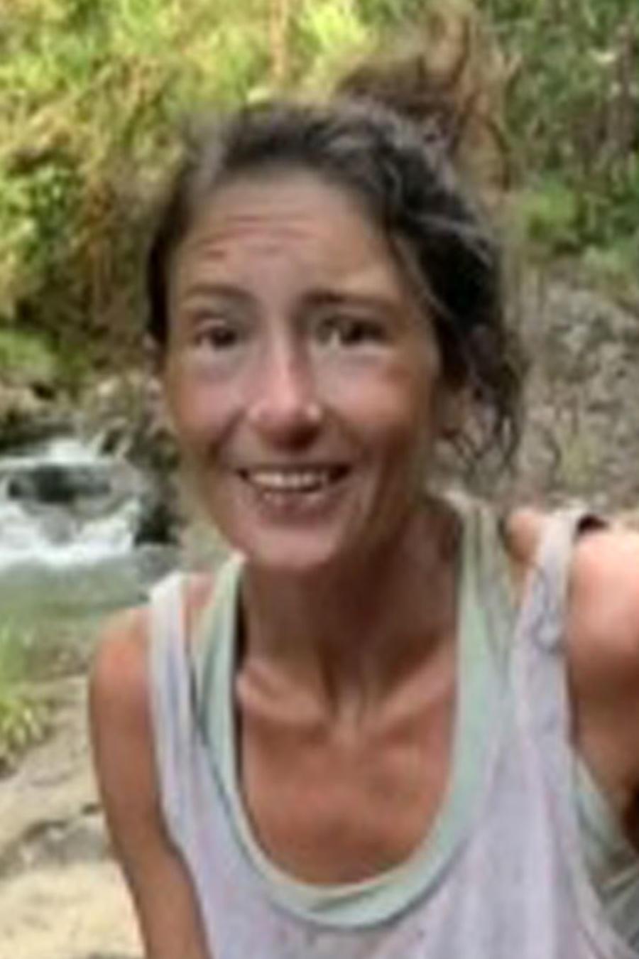 Profesora de yoga sobrevivió dos semanas perdida en un bosque
