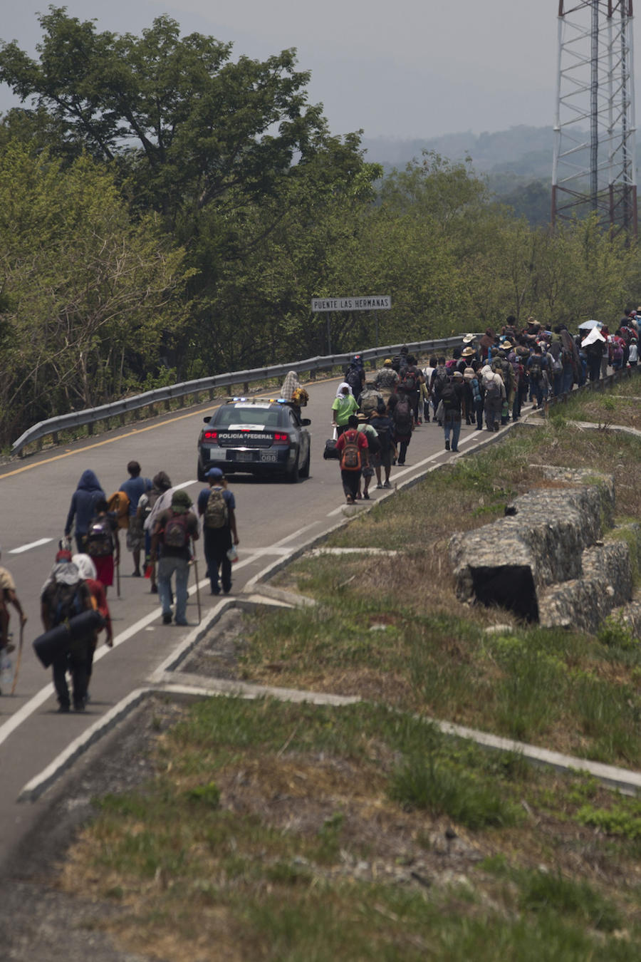 Caravana de migrantes centroamericanos pasando por el estado mexicano de Chiapas en abril de 2019.