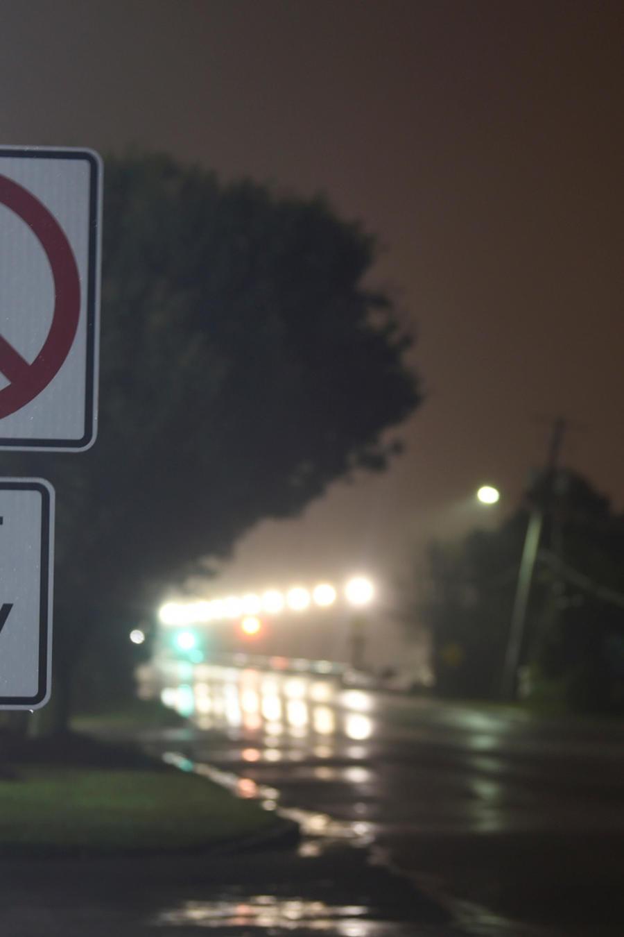 Una calle en Carolina del Sur con los embates del huracán Dorian