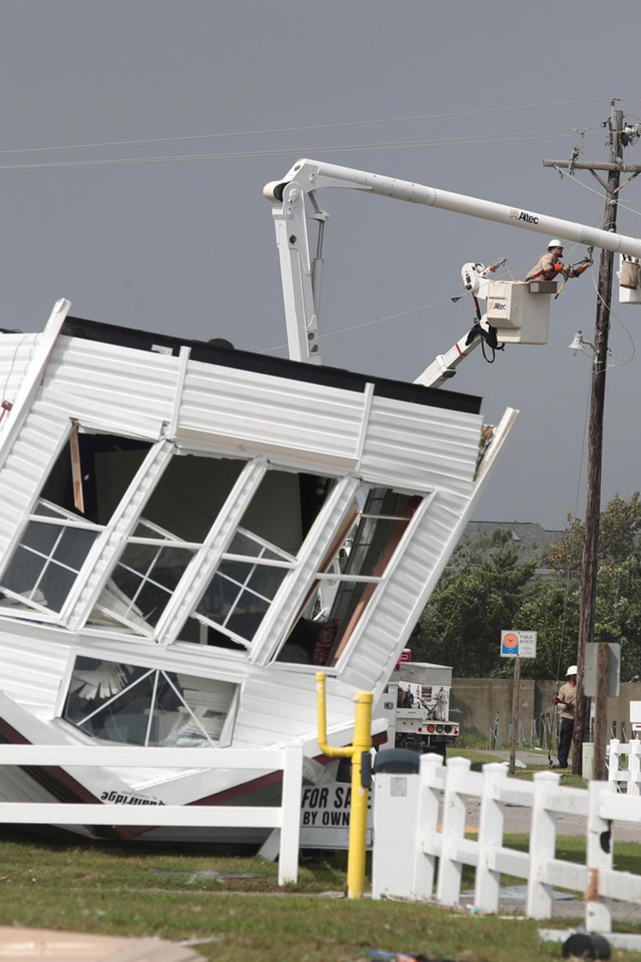 Una vivienda destruída por el huracán Dorian en Carolina del Norte