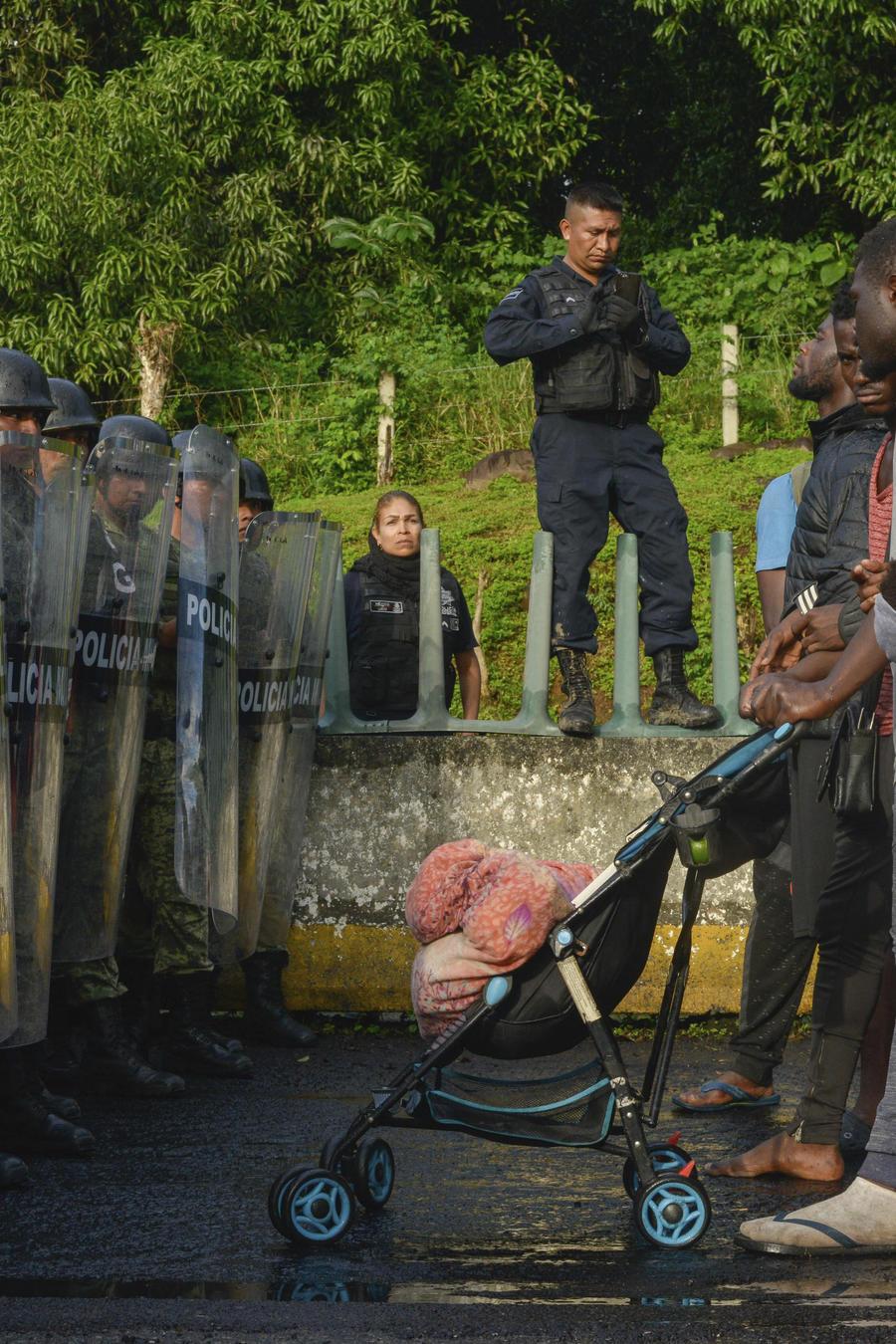 México corta el paso de la nueva caravana de migrantes