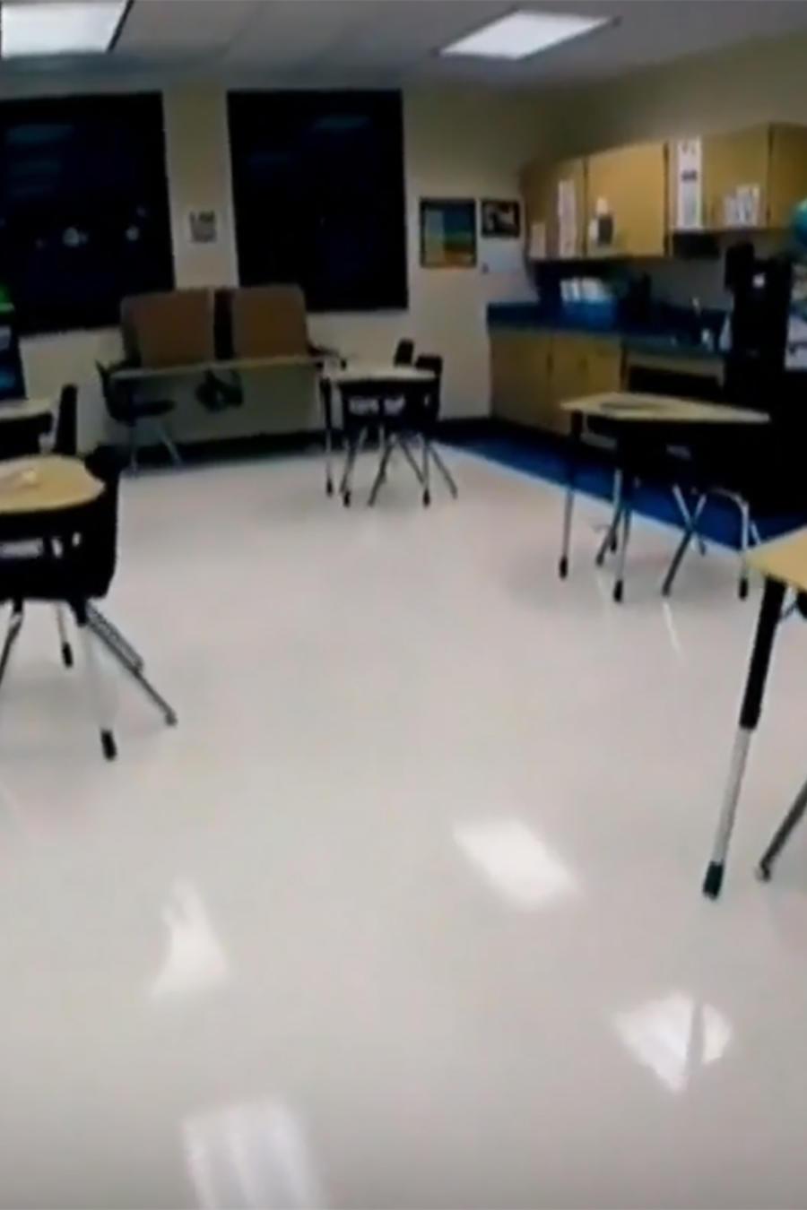 Continúa el debate por la reapertura de escuelas en Florida