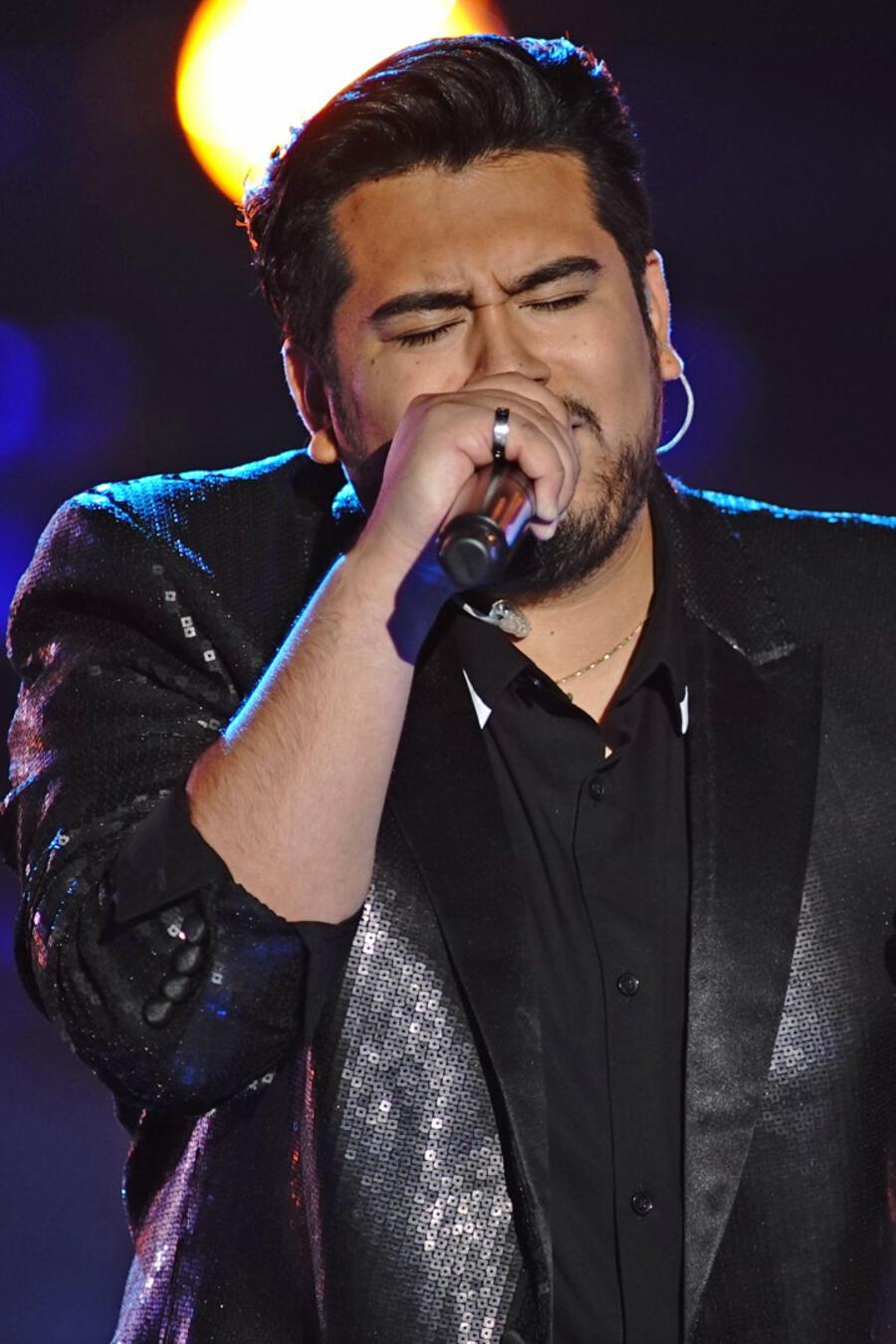 Julio Cesar Castillo en la semifinal de La Voz US 2