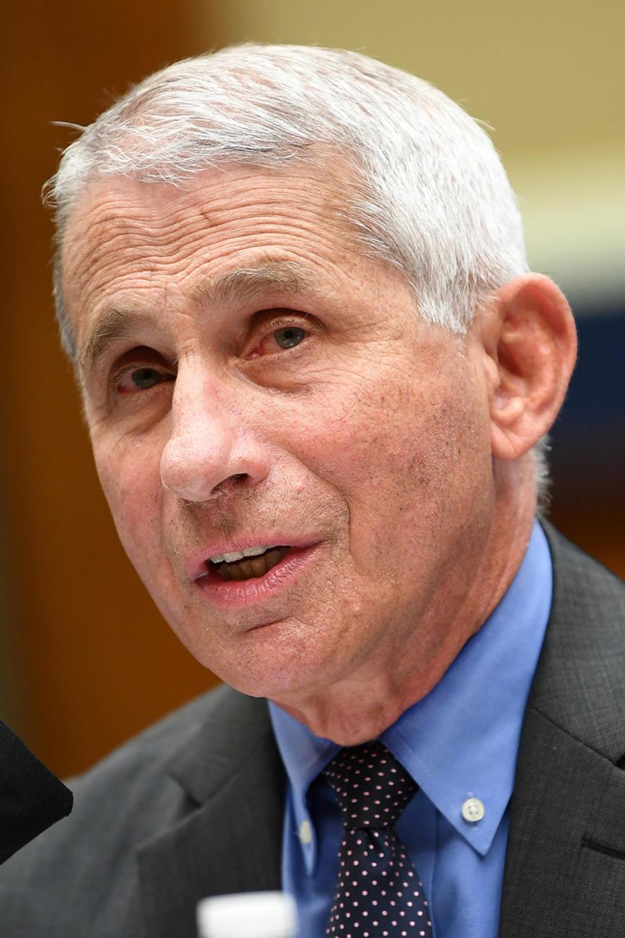 El doctor Anthony Fauci, testifica ante el Comité de Energía y Comercio de la Cámara de Representantes sobre la respuesta de la administración Trump a la pandemia de COVID-19, en Capitol Hill en Washington, D.C., EE.UU.