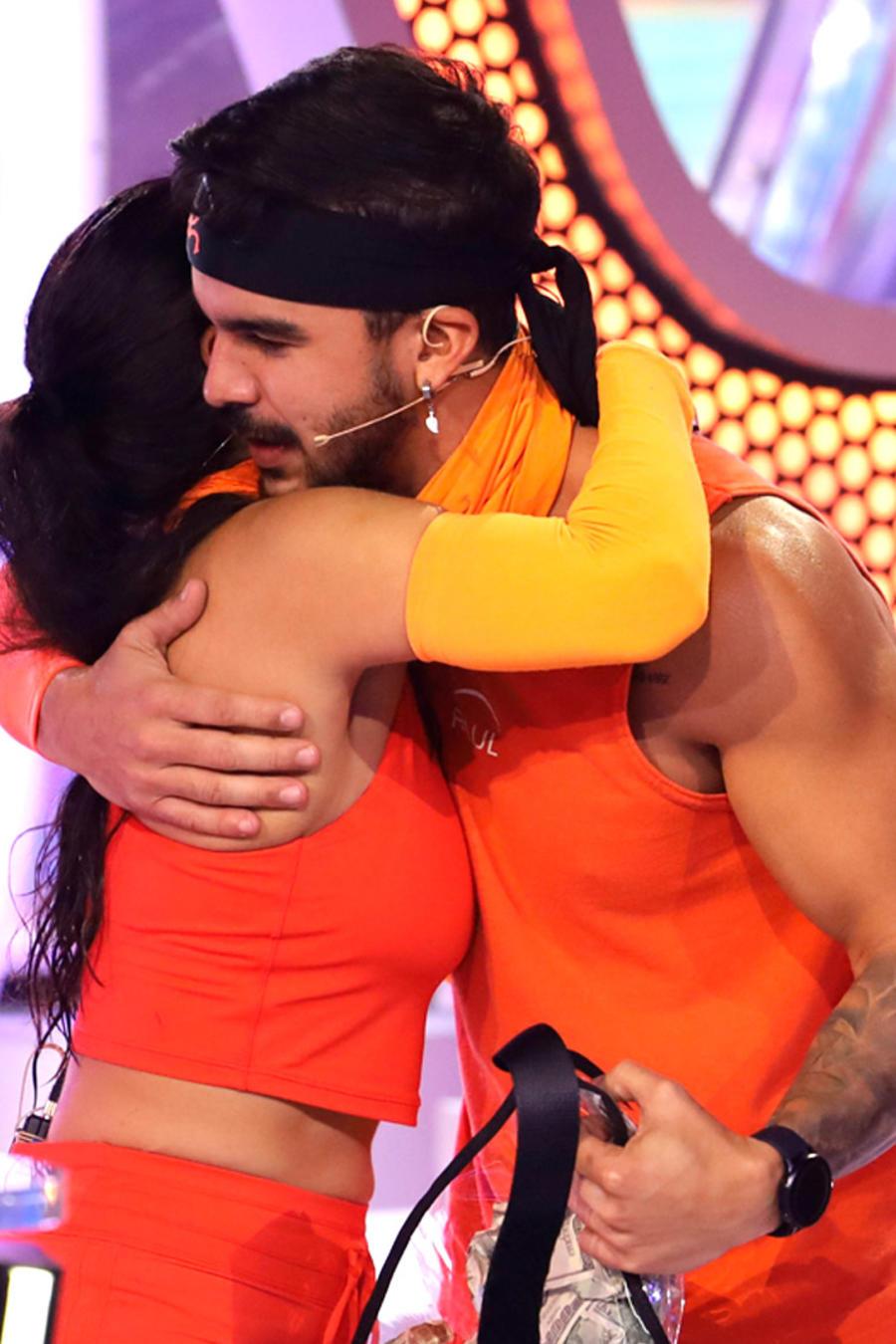 Hay romance entre Raúl y Alma, El Domo del Dinero