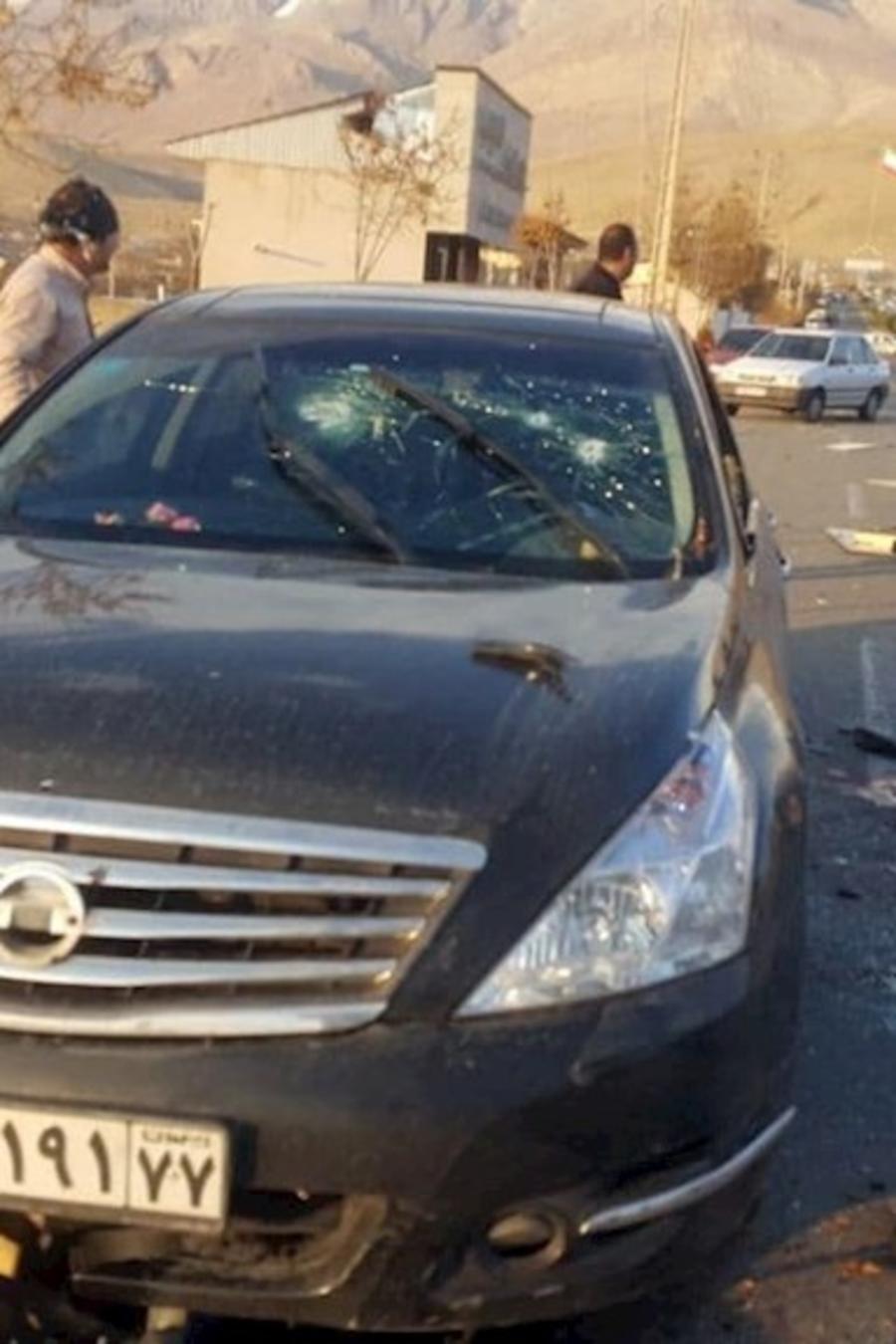 El sitio del atentado contra el científico iraní en Damavand, según una imagen cedida por la agencia noticiosa estatal IRIB.