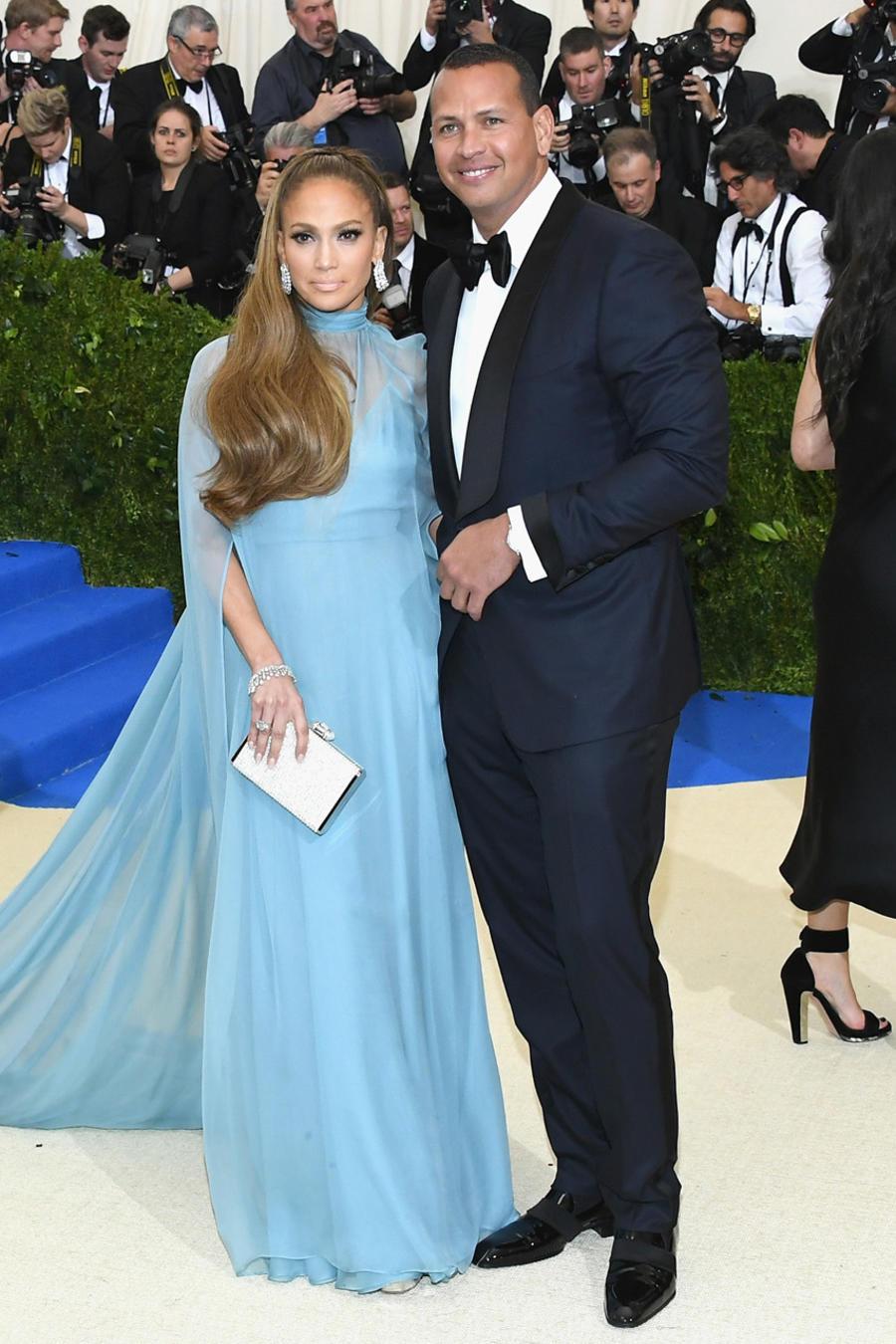 Jennifer Lopez y Alex Rodriguez Met Gala 2017