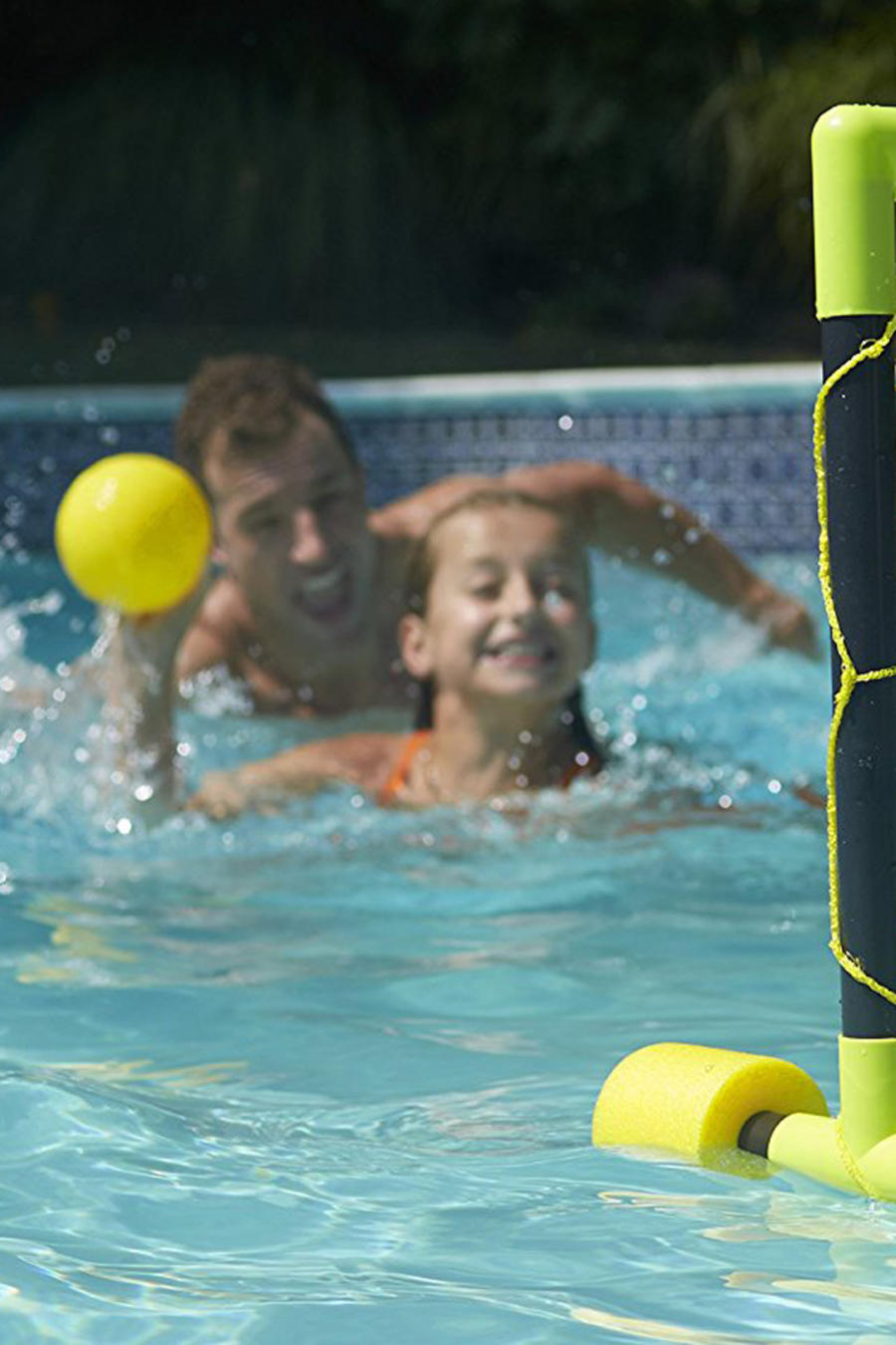 Juguetes para piscina en este verano