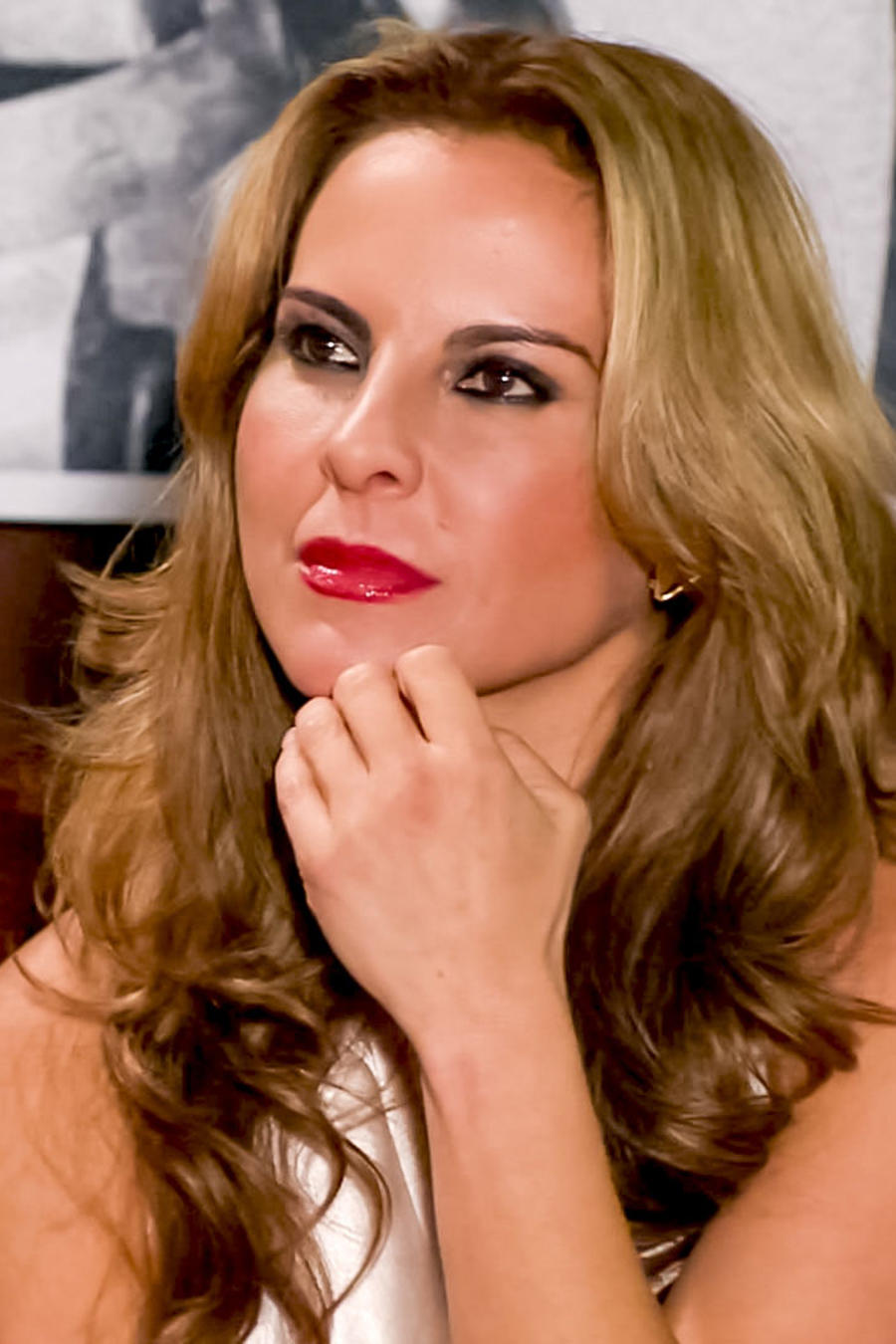 Kate del Castillo, Anastasia Cardona, sorprendida en la serie Dueños del Paraíso