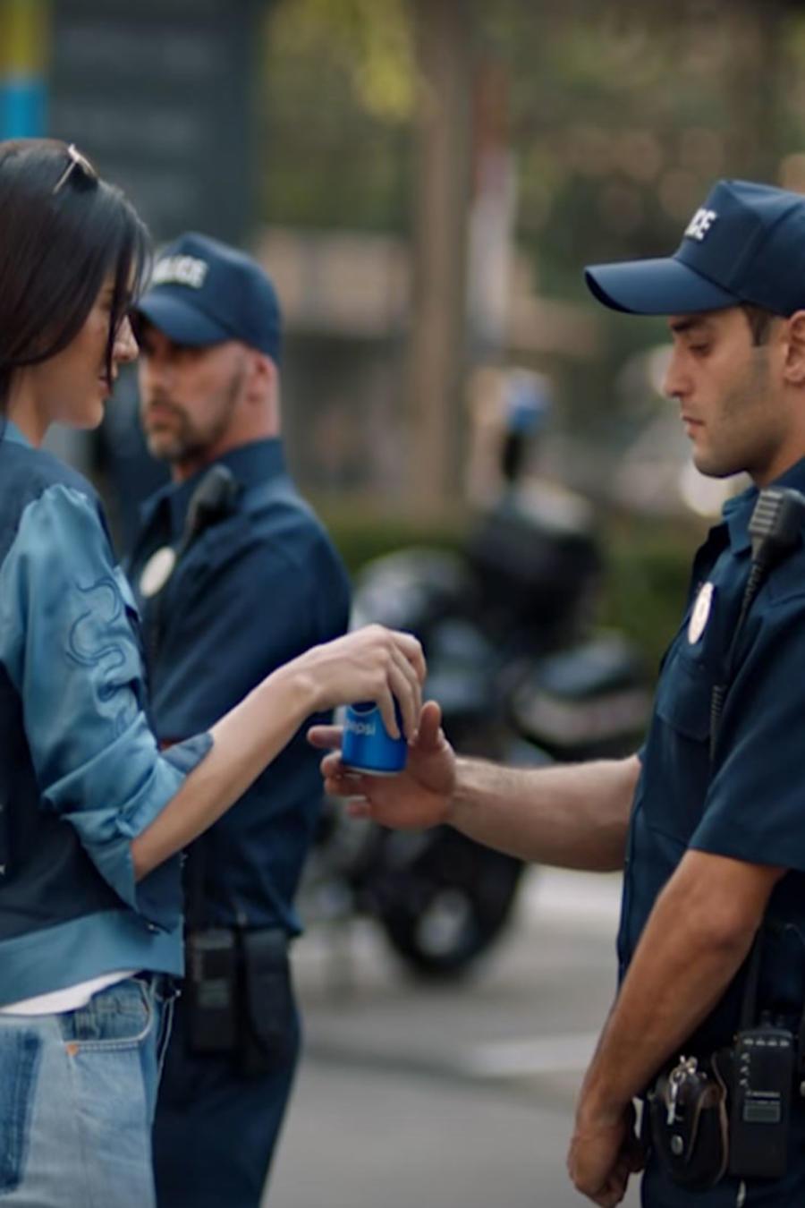 Kendall Jenner en el comercial de Pepsi