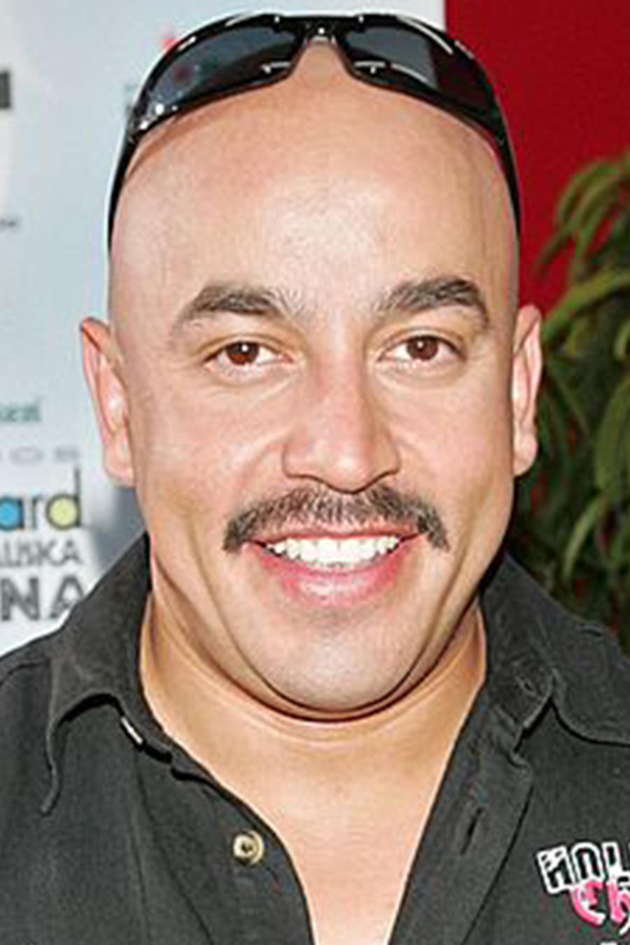 Lupillo Rivera a golpes de puño en un casino