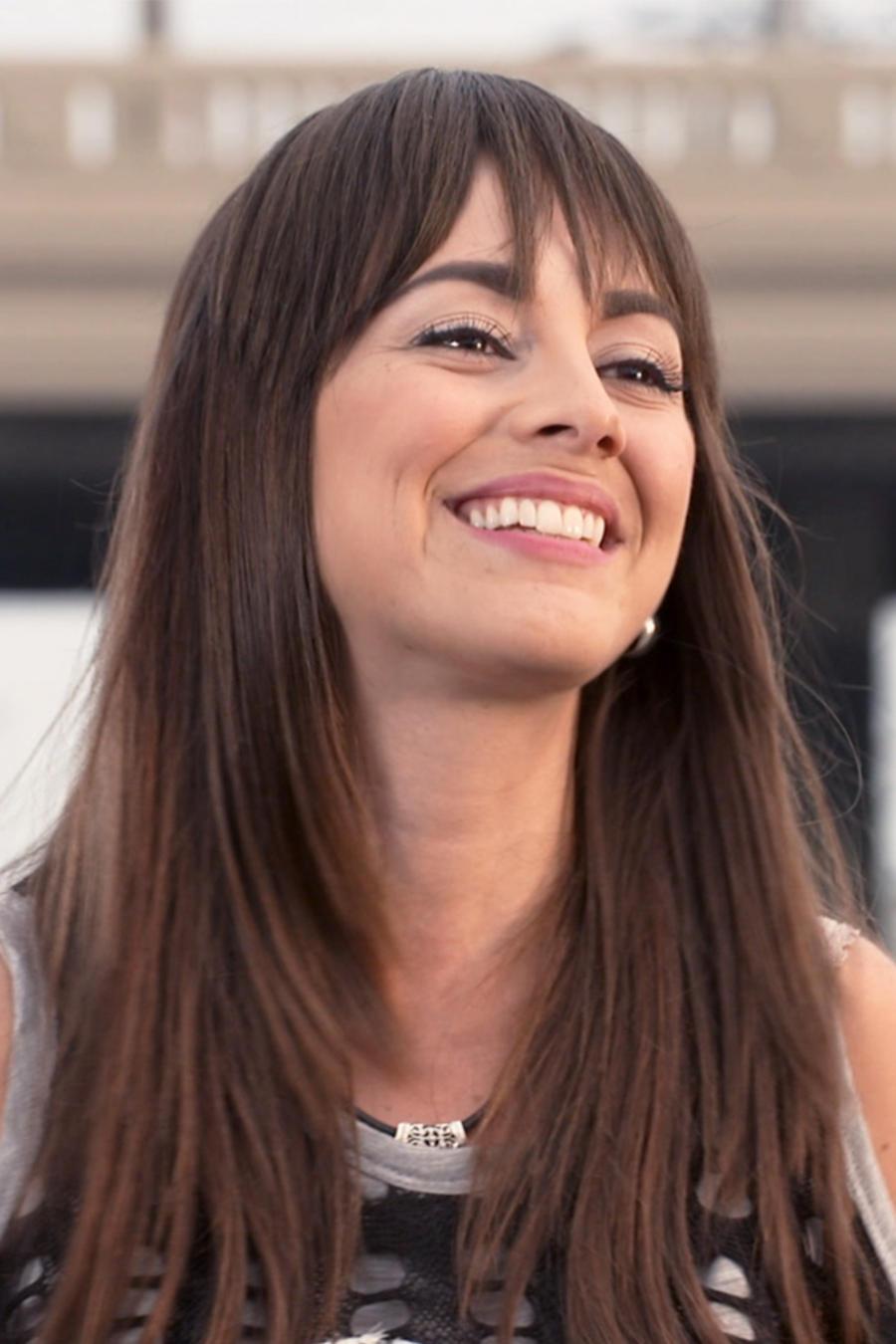 María Elisa Camargo es Adela en Bajo el Mismo Cielo