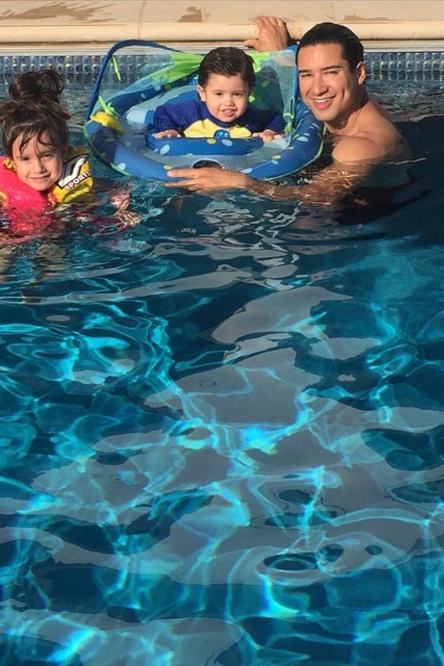 Mario Lopez y sus hijos Gia Lopez y Dominic Lopez