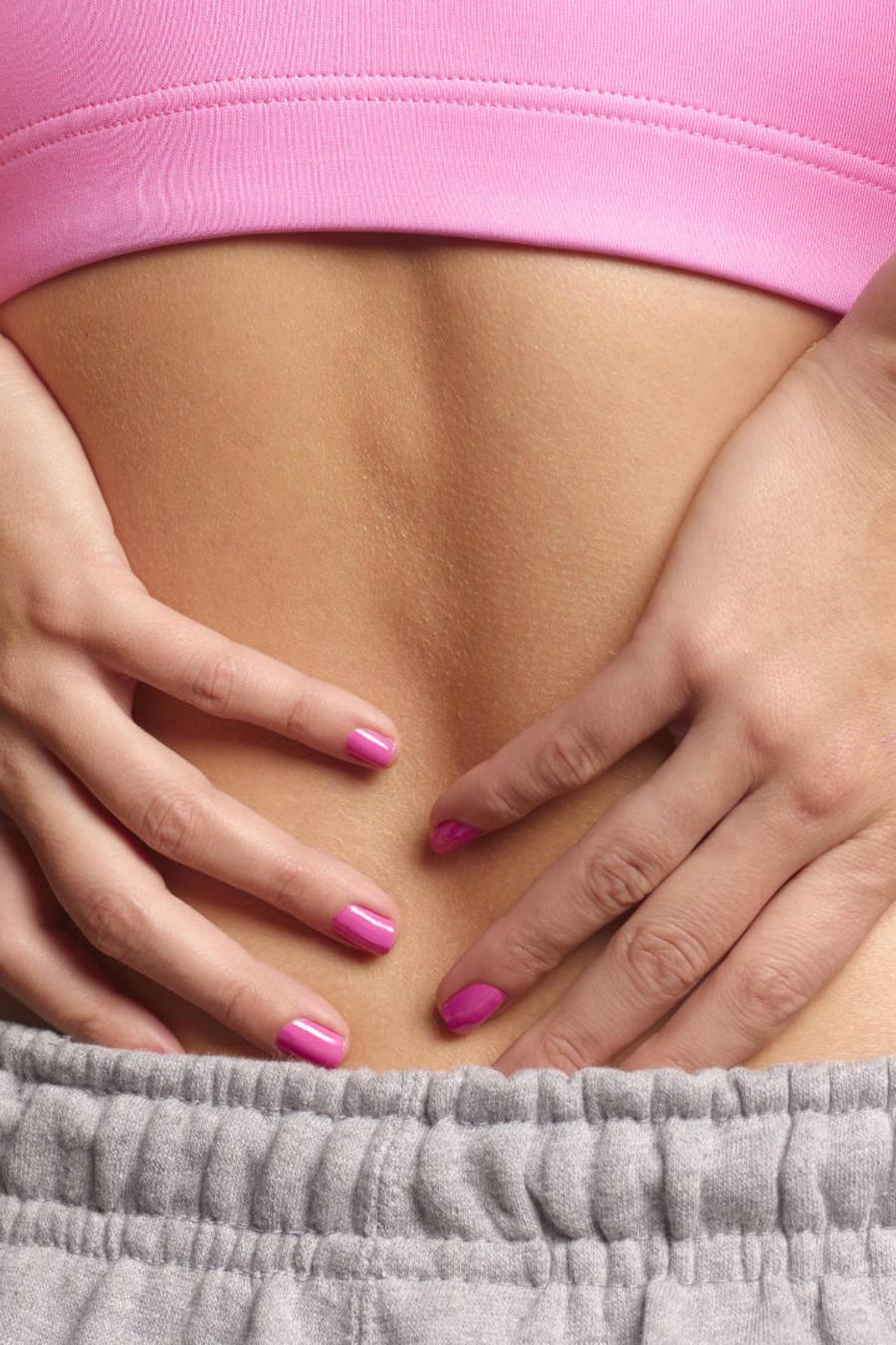 Mujer con dolor de riñón