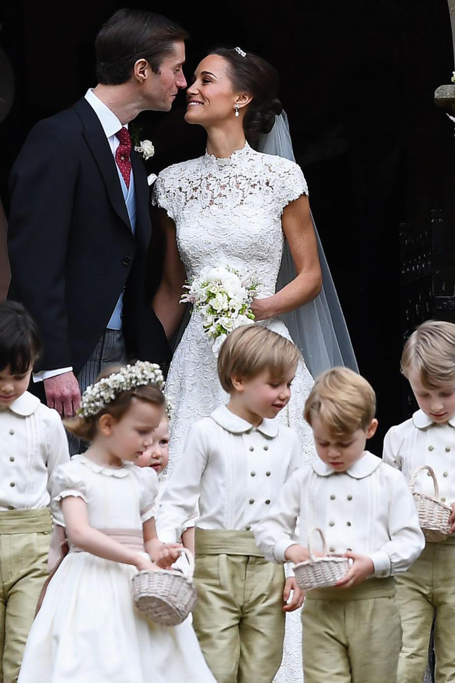 Pippa Middleton y James Matthews a su salida de la iglesia