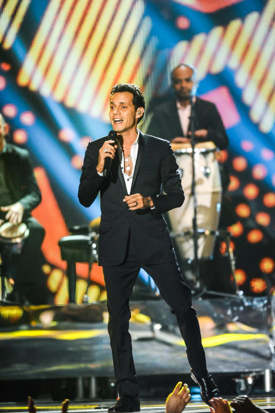 Marc Anthony cantando en Premios Billboard 2014