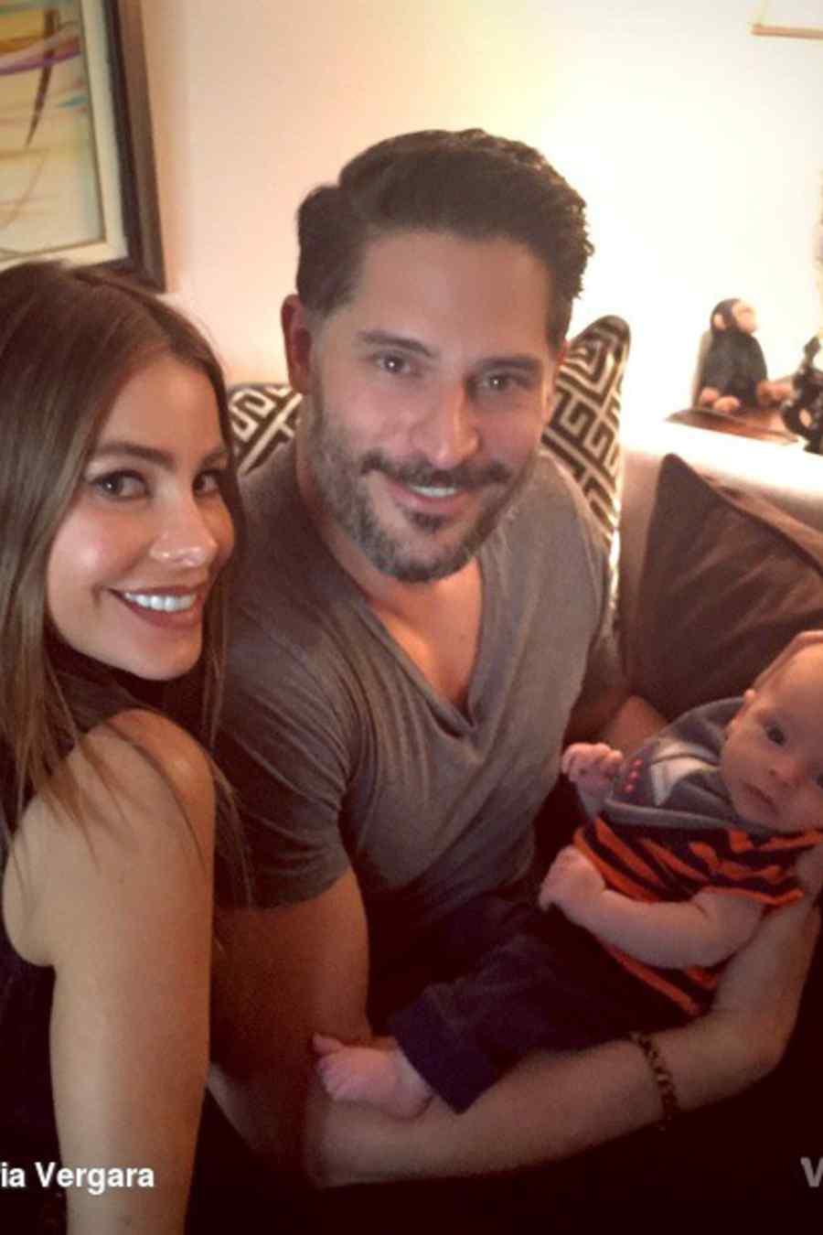 Sofía Vergara y Joe Manganiello con el nuevo sobrino Rafa
