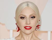 Sin duda, el look de la cantante era clásico y refinado.