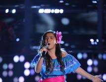 """Shanty cantó """"La Reina es el Rey"""" de Beatriz Adriana."""