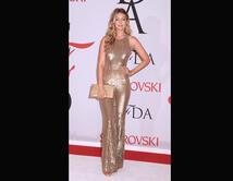 La modelo eligió este look para los CFDA Fashion Awards 2015